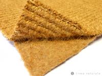 Foto eines speziellen Bodenschutzteppich aus Kokos, mit einem besonderen Vlies aus Flachs und Jute darunter, für historische Böden
