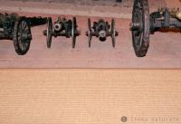 Kante von Kokosteppich mit Schutzvlies aus Flachs-Jute